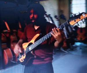 Victor Wooten Playing The Bass - Music As A Language!